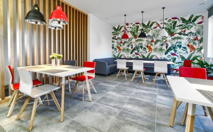 Biuro multikulti. Jak zaprojektować przestrzeń, która łączy pokolenia?